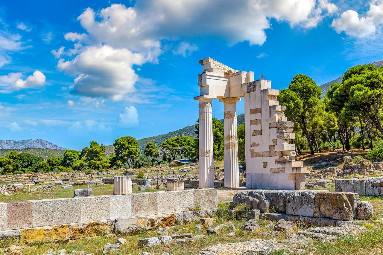 epidaurus-archaeological-site-1280